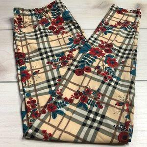 Pants - NWT Plaid Floral Plus Size Leggings